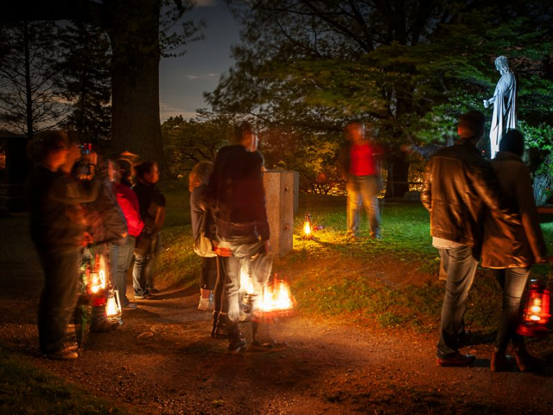 Sleepy Hollow Cemetery lantern tour