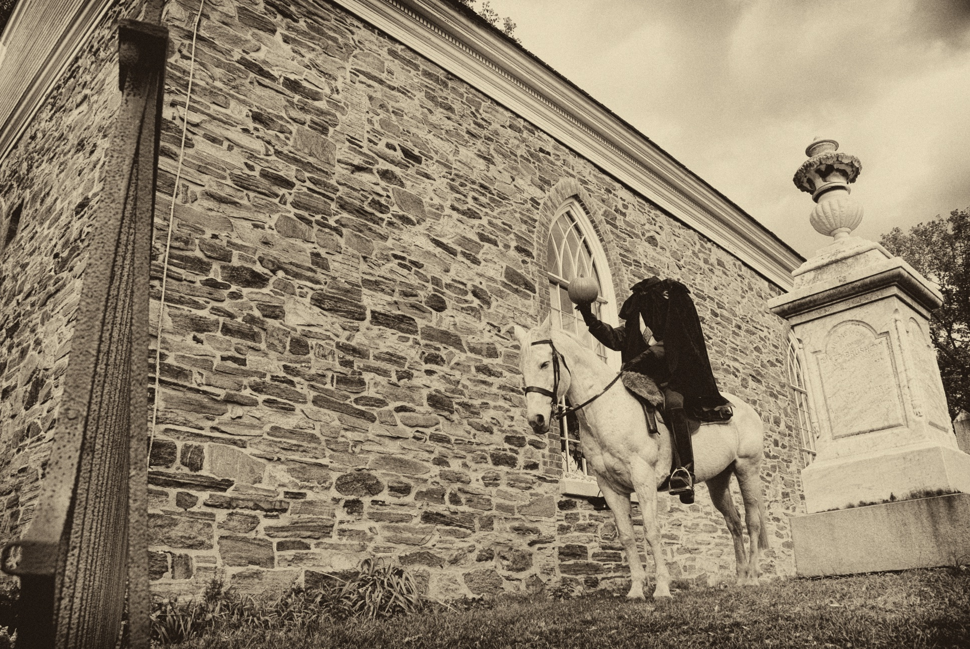 headless horseman at Old Dutch Church